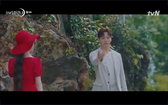 Phim Hotel Del Luna tập 9: IU tan biến ngay trước mắt Yeo Jin Goo, Lee Tae Seo tái sinh thành cảnh sát? ảnh 38