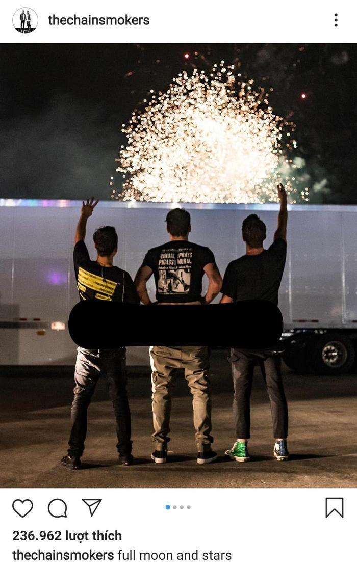 The Chainsmokers khiến nhiều khán giả choáng váng khi khoe ảnh vòng 3 trên sân khấu.