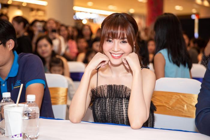 Ninh Dương Lan Ngọc xinh đẹp, rạng rỡ trong sự kiện.