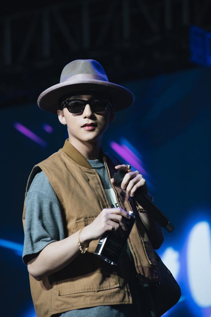 Vẻ điển trai của Sơn Tùng M-TP tại sự kiệnsự kiện Meet&Greet.