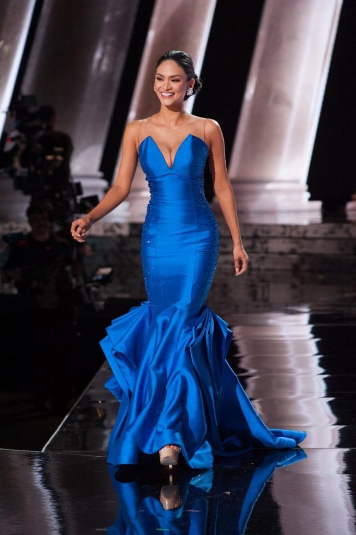 Ở vị trí thứ 3 là cựu Miss Universe 2015 người Philippines.