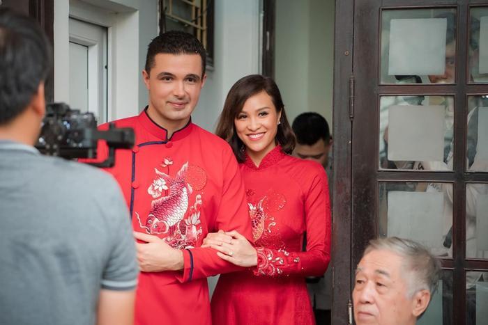 Kể từ ngày kết hôn với ông xã ngoại quốc, cuộc sống hôn nhân của nữ MC gợi cảm kiêm siêu mẫu hot nhất làng giải trí Việt Nam luôn được khán giả quan tâm và chú ý.