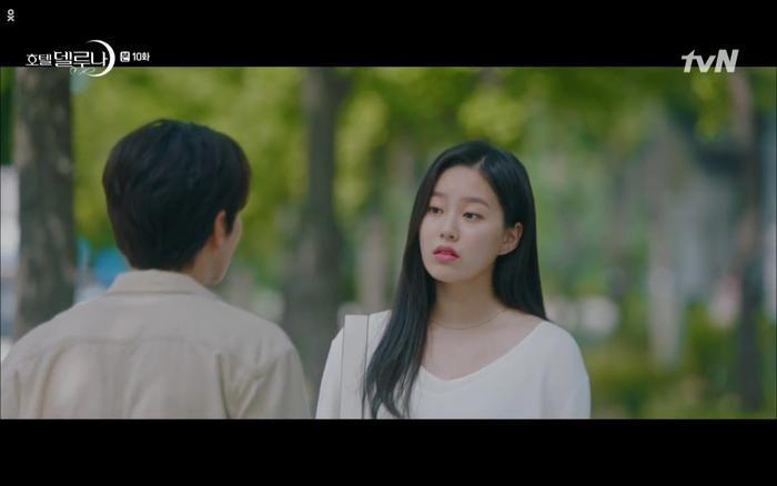 Phim Hotel Del Luna tập 10: Yeo Jin Goo vừa được phục chức hoa thần đã nở báo hiệu cái chết cận kề của IU? ảnh 26
