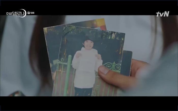 Phim Hotel Del Luna tập 10: Yeo Jin Goo vừa được phục chức hoa thần đã nở báo hiệu cái chết cận kề của IU? ảnh 14