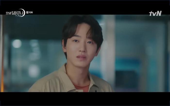 Phim Hotel Del Luna tập 10: Yeo Jin Goo vừa được phục chức hoa thần đã nở báo hiệu cái chết cận kề của IU? ảnh 39