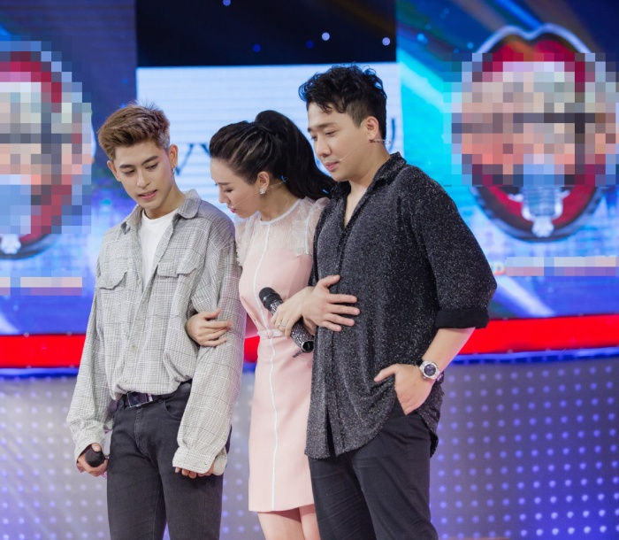 """Màn song ca giữa Trùng Dương và Hari Won khiến Trấn Thành """"phát điên"""" và """"đứng ngồi không yên"""" (Ảnh: NVCC)"""