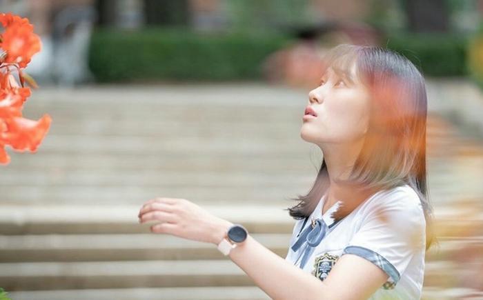 """Kim Hye Yoon hồn nhiên, trong sáng khác hẳn với vai diễnKang Ye-Seo trong """"SKY Castle"""""""