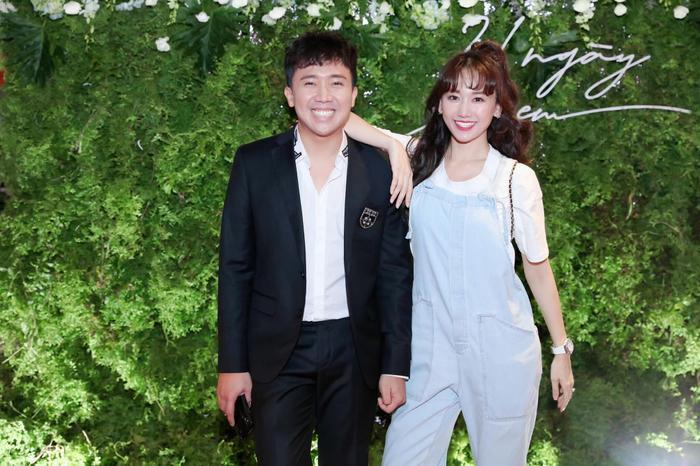 """Về chuyện con cái, Hari Won cũng cho biết cô đang gặp áp lực về chuyện sinh con: """"Ba mẹ không ép tôi phải có con nhưng tôi cũng muốn đẻ con để ba mẹ vui hơn"""", cô nói"""
