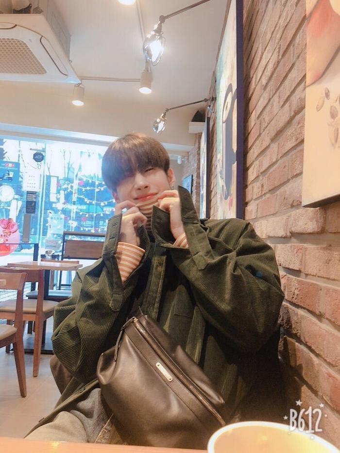 Bộ ảnh chứng minh Han Seungwoo (X1) là hình mẫu bạn trai nhà người ta lý tưởng của các fan ảnh 1