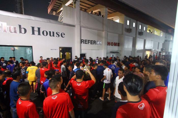 Dù FA Thái Lan chưa chính thức lên tiếng về vụ việc tuy nhiên một án phạt nặng chắc chắn đang chờ đợi Trat FC.