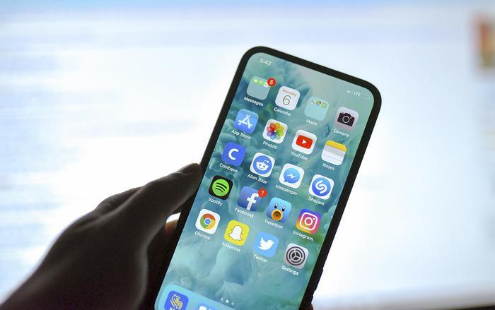 """Bằng sáng chế mới của Apple có thể giúp loại bỏ thiết kế """"tai thỏ"""" trên những chiếc iPhone tương lai."""