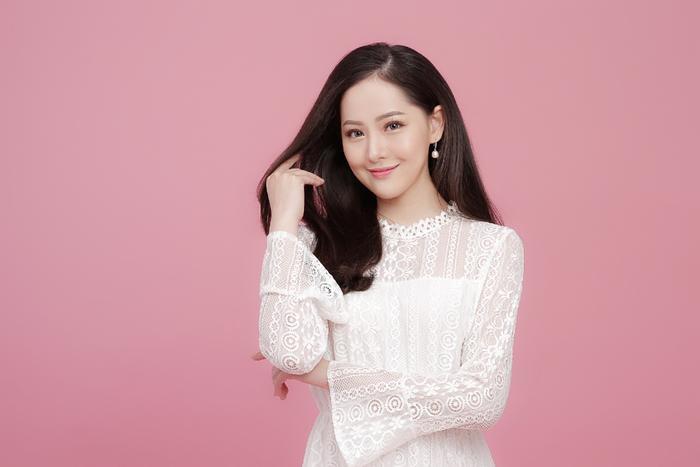 Sau khi nhận được lời động viên từ nhạc sĩ Quốc Cường, Minh Ngọc đã quyết định thực hiện MV cho ca khúc.