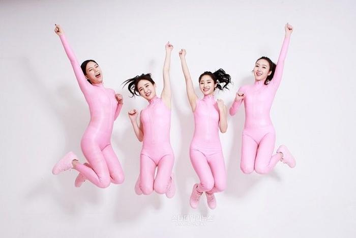 10 trang phục biểu diễn phản cảm nhất lịch sử Kpop, ngàn năm vẫn bị chê cười