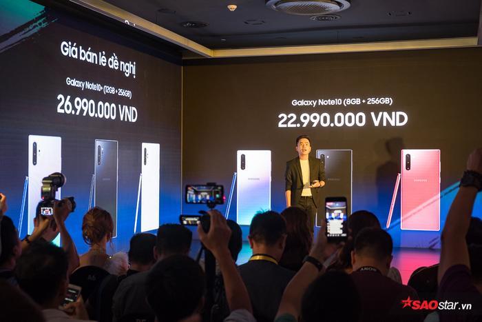 Theo công bố, Galaxy Note 10 và Note 10+ sẽ được chính thức mở bán tại các cửa hàng bán lẻ trên toàn quốc từ ngày 23/8 tới đây với mức giá lần lượt 22,9 triệu đồng cho và 26,9 triệu đồng.
