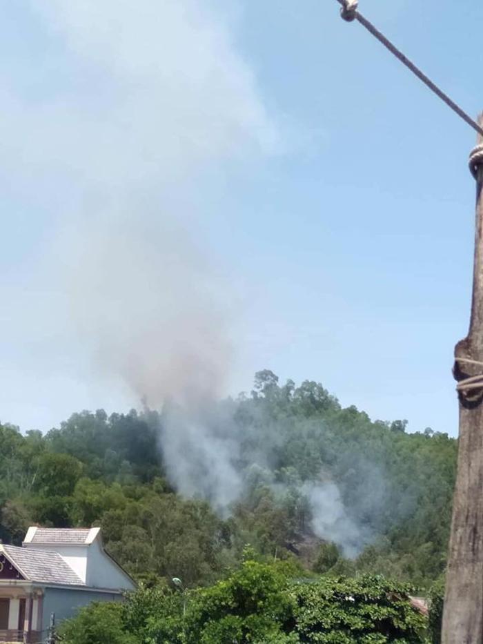 Nghi dân đốt vàng mã rằm tháng 7 gây cháy rừng