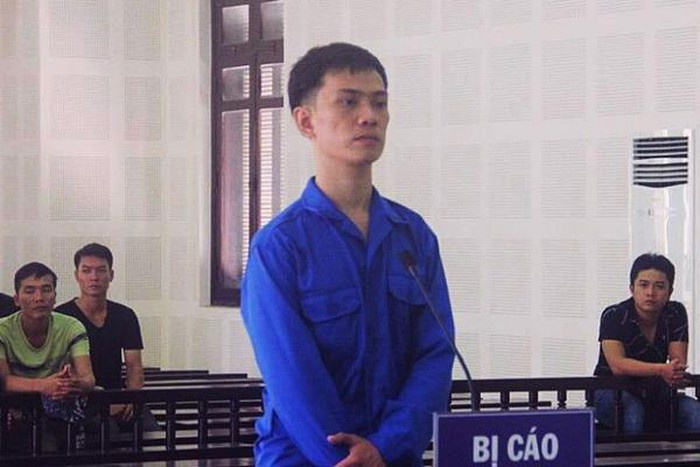 Nam thanh niên lĩnh án tù chung thân vì giúp bạn vận chuyển hơn 2,4kg ma túy. Ảnh: VietNamNet