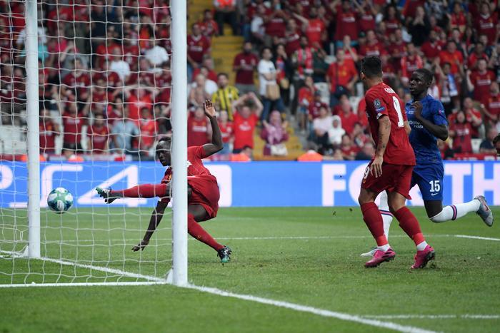 Sadio Mane kịp thời toả sáng san bằng cách biệt cho Liverpool.