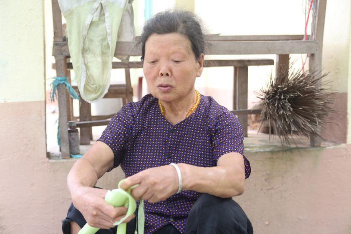 Bà Nguyệt đã 55 năm sống ở trại phong và không gặp lại người thân.