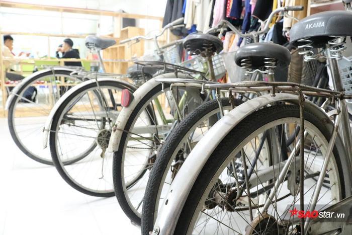 """Trong thời gian tới, nếu bạn sinh viên nào có hoàn cảnh khó khăn và cần phương tiện đi lại, """"Góc sẻ chia"""" luôn sẵn sàng hỗ trợ các bạn những chiếc xe đạp như thế này đây."""
