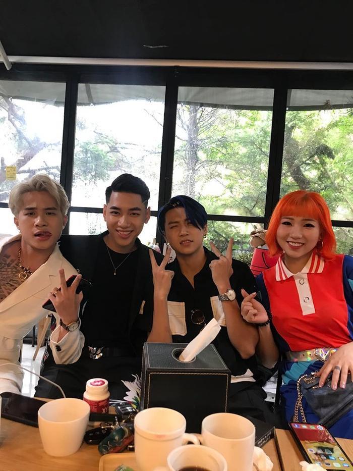 Hai anh chàng sẽ đại diện Việt Nam trình diễn tại một sự kiện âm nhạc ở Hàn Quốc.