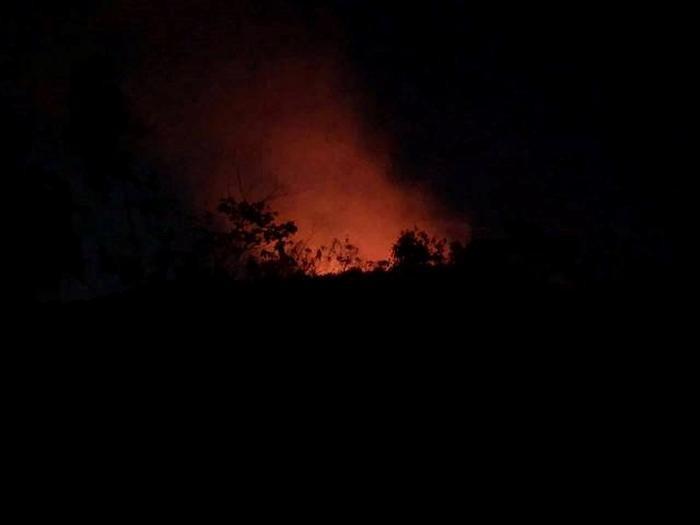 Ngọn lửa bốc cháy ngùn ngụt. Ảnh: báo Vietnamnet
