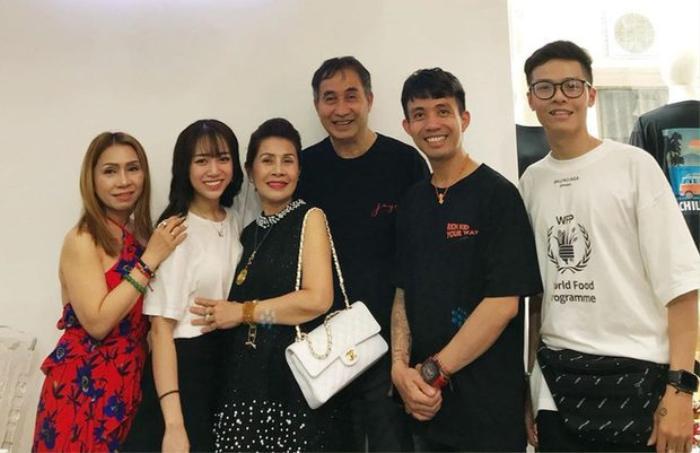 Người yêu Minh Anh rất được lòng bố mẹ của cô nàng.