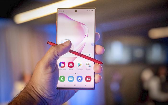 Màn hình OLED được trang bị trên Samsung Galaxy Note 10+ vừa nhận 13 kỷ lục về khả năng hiển thị màn hình của DisplayMate.