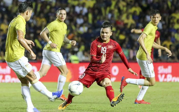 Vẫn chưa có đơn vị truyền hình nào tại nước ta mua được bản quyền phát sóng trận đấu Thái Lan – Việt Nam. (Ảnh: Thể Thao 247)