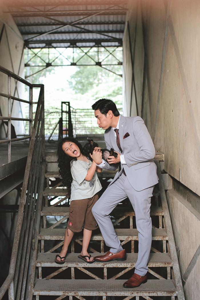 Bé Ngân Chi trở thành diễn viên nhí chính trong phim cùng Kiều Minh Tuấn.