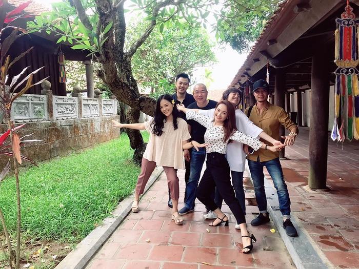 Đạo diễn Về nhà đi con tiết lộ những điều bất ngờ về Bảo Thanh, Thu Quỳnh và Bảo Hân sau khi phim đóng máy ảnh 3