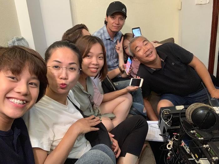 Đạo diễn Về nhà đi con tiết lộ những điều bất ngờ về Bảo Thanh, Thu Quỳnh và Bảo Hân sau khi phim đóng máy ảnh 4