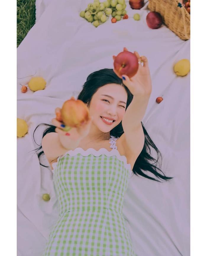 Nhìn ngắm loạt poster đẹp xuất sắc của Red Velvet trước thềm comeback với ReVe Festival: Day 2 ảnh 17