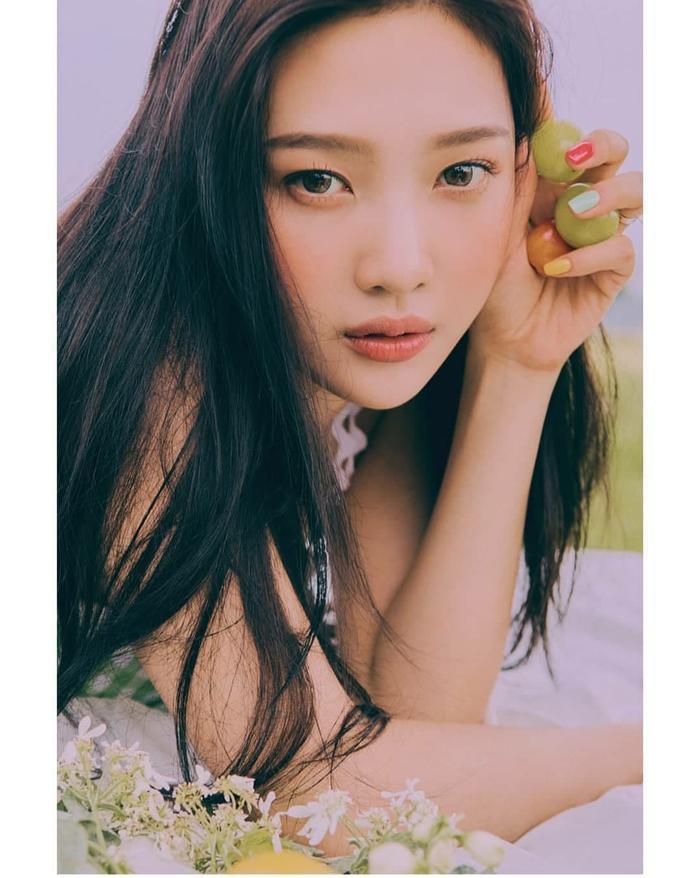 Nhìn ngắm loạt poster đẹp xuất sắc của Red Velvet trước thềm comeback với ReVe Festival: Day 2 ảnh 18