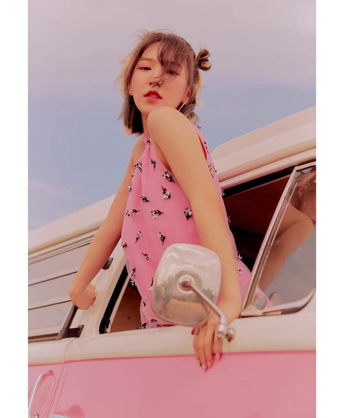 Nhìn ngắm loạt poster đẹp xuất sắc của Red Velvet trước thềm comeback với ReVe Festival: Day 2 ảnh 10