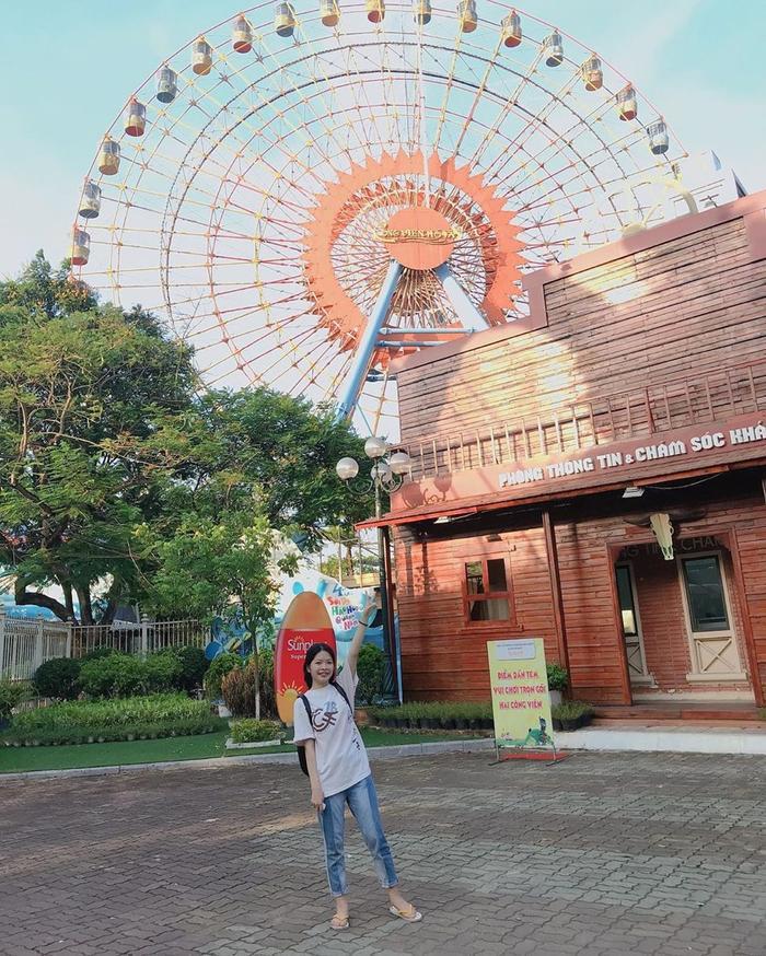 Công viên sở hữu nhiều trò chơi thú vị thu hút các bạn trẻ. (Ảnh: @tr.phuonghoa)