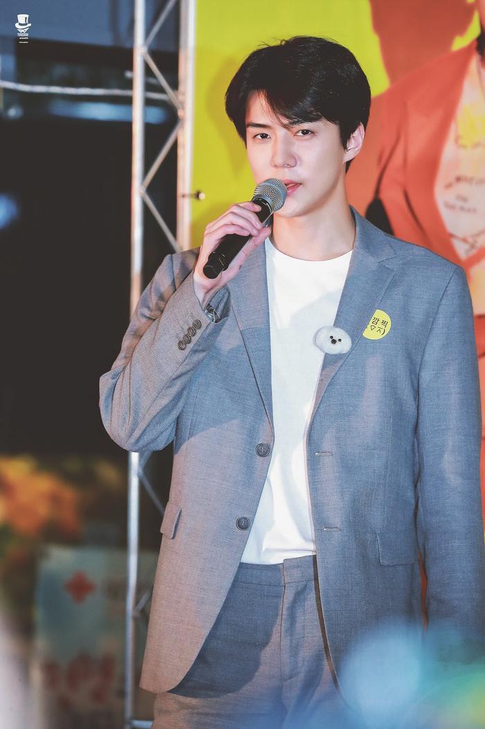 Sehun (EXO) tiết lộ lí dokhông thể ngủ một mình trong sự kiện gần đây.