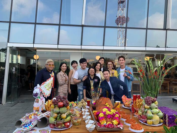 Gạo nếp gạo tẻ bấm máy phần 2: Thay hết diễn viên chỉ còn Thúy Ngân, Hồng Đào  Song Luân  S.T Sơn Thạch trở thành gia đình? ảnh 6