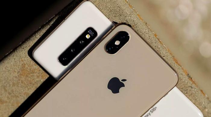 iPhone luôn là dòng điện thoại được đánh giá cao nhưng các đối thủ cũng đang dần thu hẹp khoảng cách. (Ảnh: CNET)