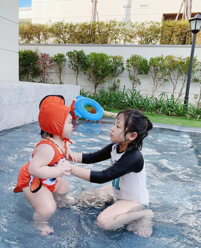 Dàn hot baby đáng yêu hết nấc của các ông bố, bà mẹ Việt siêu chất đang khiến cộng đồng mạng điên đảo ảnh 30