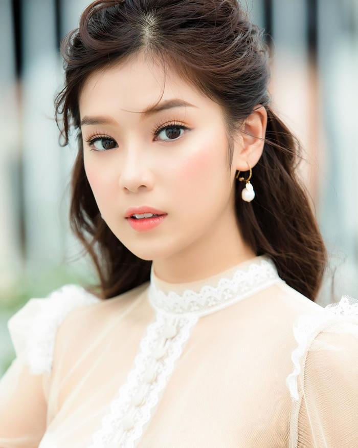 Trước nay Hoàng Yến Chibi luôn gắn liền với hình ảnh đầy ngọt ngào.