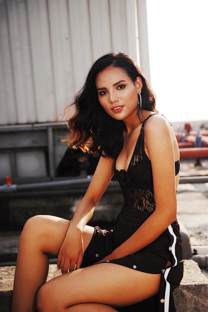 Tiêu Ngọc Linh là một trong những người đẹp gây tiếc nuối tại Miss Universe Vietnam 2017, khi cô chỉ dừng lại ở vị trí Top 5 sau phần thi ứng xử. Với kinh nghiệm từng chinh chiến, người hâm mộ mong muốn Tiêu Linh sẽ quay lại đấu trường nhan sắc Hoa hậu Hoàn vũ một lần nữa để tạo nên kỳ tích mới .