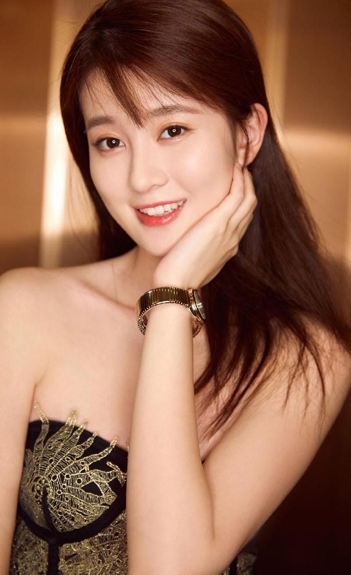 Bạn gái tin đồn của Dương Dương Kiều Hân trả lời: Gia đình giàu nhưng không khoa trương, căn hộ sang trọng là nhà mẫu của show ảnh 1