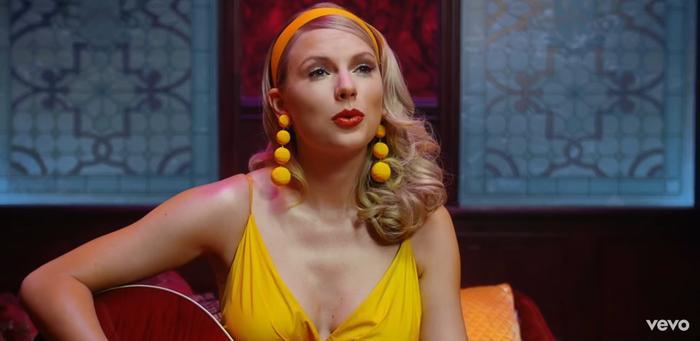 Taylor Swift ngân nga về câu chuyện tình yêu của mình.