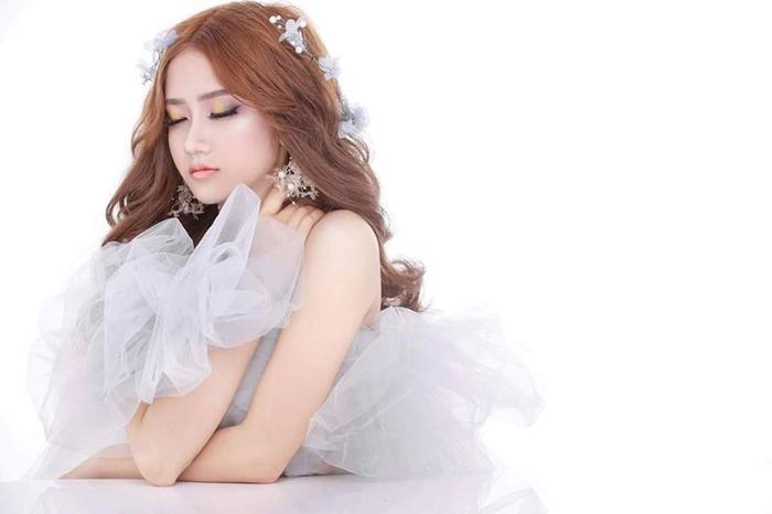 Nữ sinh Quảng Ngãi có vòng eo 54cm khoe ảnh dậy thì thành công khiến nhiều người lầm tưởng phẫu thuật thẩm mỹ ảnh 12
