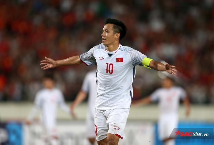Văn Quyết không được HLV Park Hang Seo gọi lên tuyển Việt Nam.