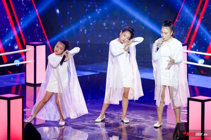 Minh Hằng - Diệp Nhi - Vân Anhcùng tranh tài trên sân khấu vòng Đối đầu.