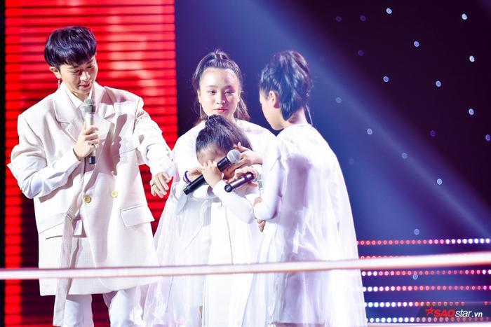 Tam ca giọng khủng Minh Hằng  Diệp Nhi  Vân Anh khiến Phạm Quỳnh Anh rơi nước mắt chọn 1 cứu 1 ảnh 10
