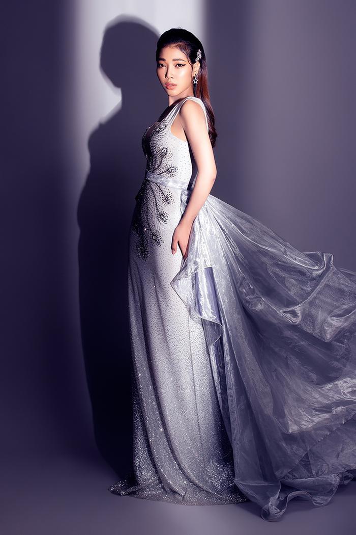 Linh Huỳnh với biểu cảm chuẩn mẫu trong shoot hình beauty