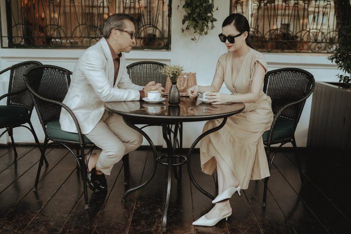 Những thiết kế đũi sang trọng tinh giản tôn lên vẻ đẹp cho người mặc