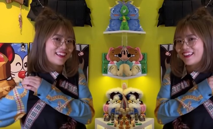 """Cô nàng còn thực hiện ngay vũ điệu """"đau tay"""" – màn vũ đạo """"đinh"""" nhất của Sơn Tùng trong MV Hãy trao cho anh."""